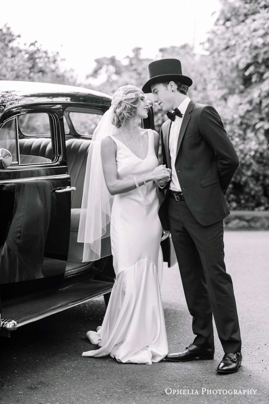 Great Gatsby Newlyweds West Coast Weddings Vancouver Island English Garden
