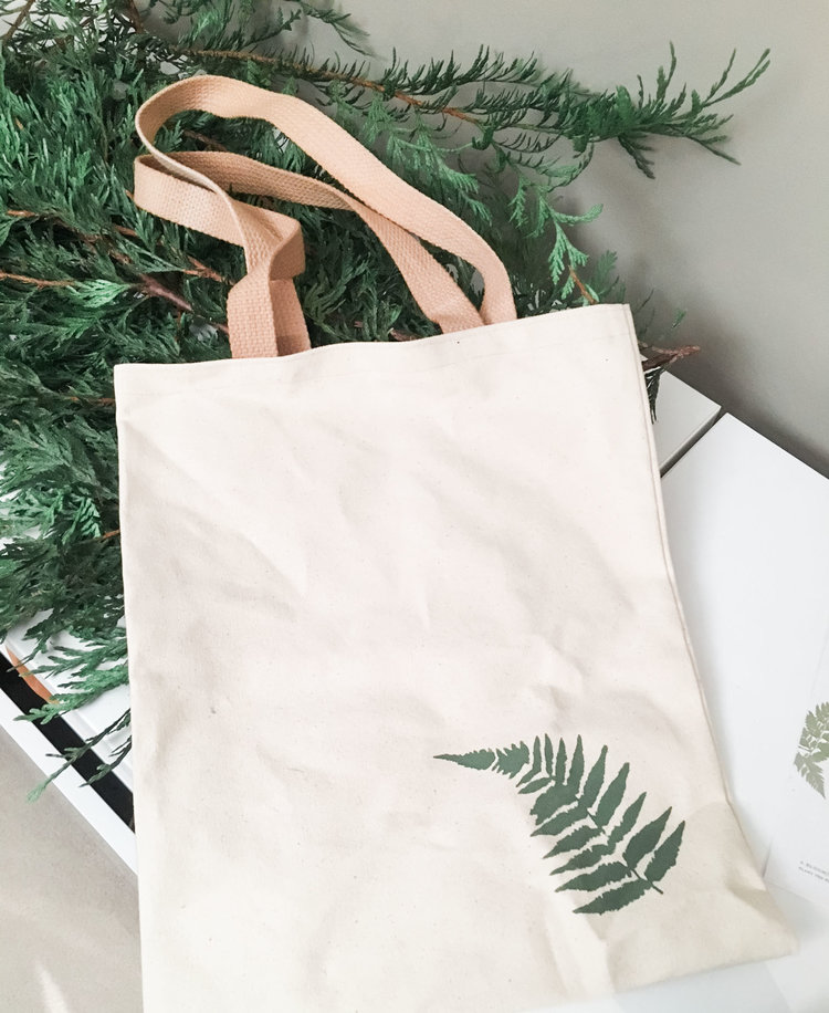 Giveaway Bags Marnie & Drew Eco Friendly Inspired Wedding by Jennifer Picard Photography