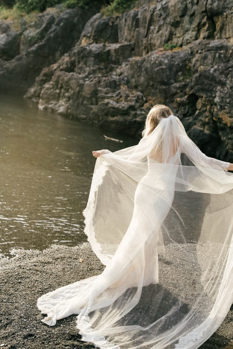 The Maggie Sottero Barefoot Bride Session West Coast Weddings Magazine Vancouver Island