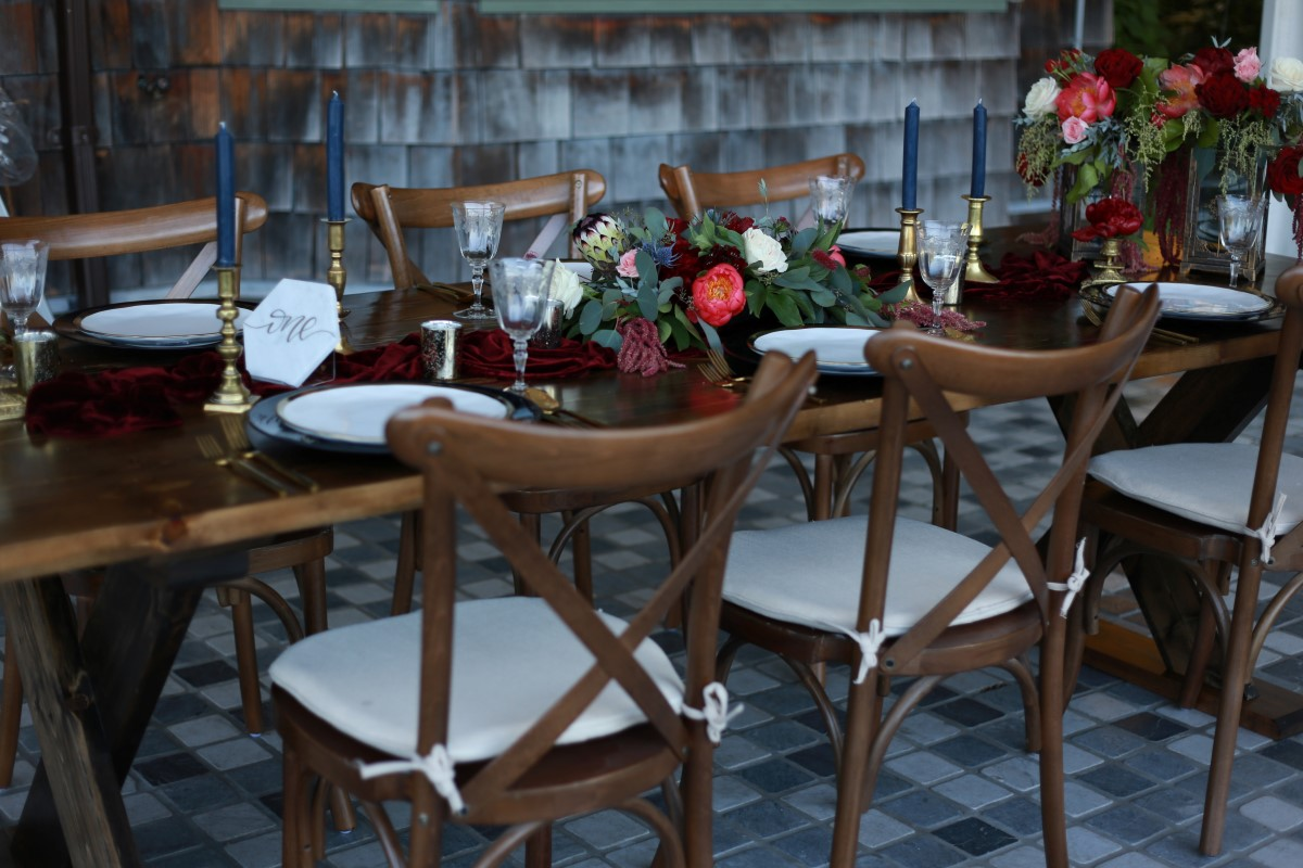 Outdoor Head Table Champagne Wedding