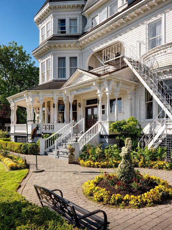 exterior-pendray-inn-and-tea-house-1_orig