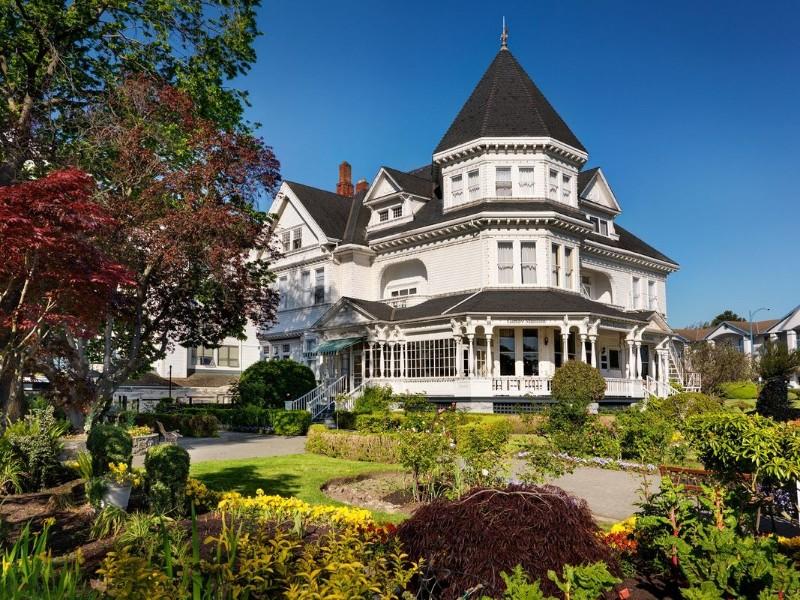exterior-pendray-inn-and-tea-house_orig