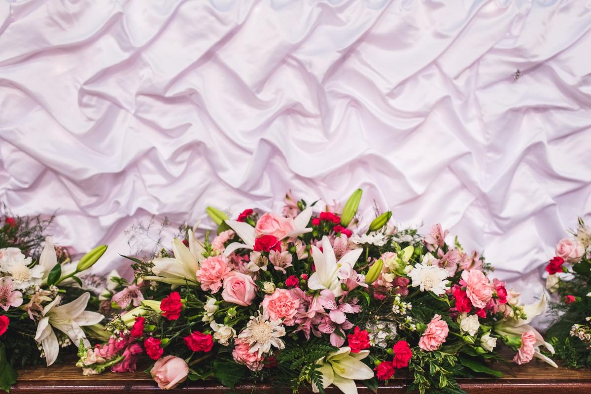Oak Bay Beach Hotel Wedding Head Table Floral Design by Decorate Victoria