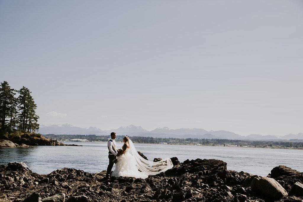 Painters Lodge Newlyweds Admiring View of Ocean West Coast Weddings Magazine