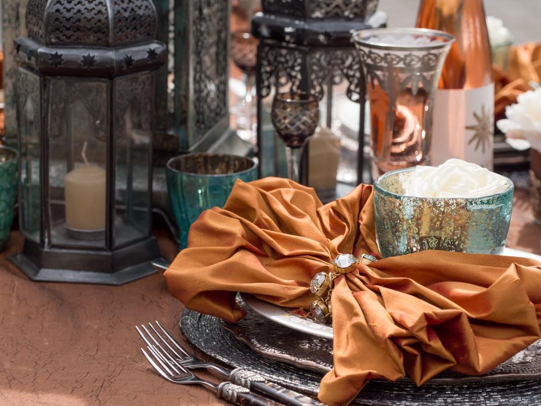 Vibrant Moroccan Table Decor with Lanterns
