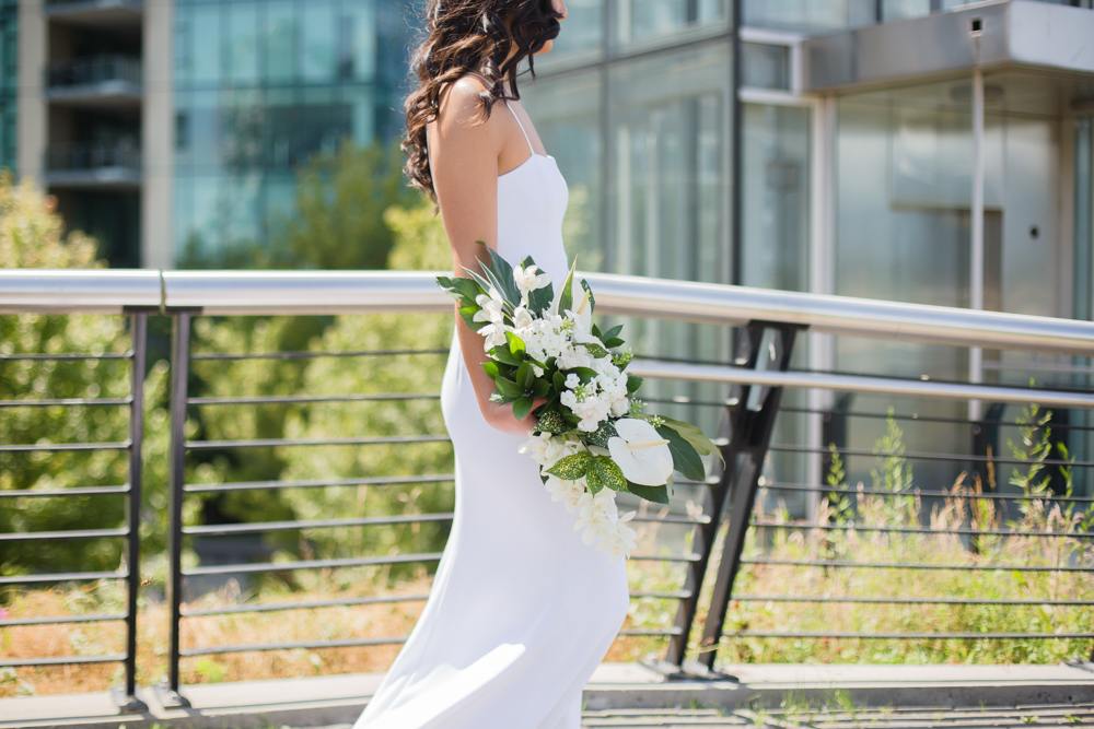 Bride style in the streets of Vancoiuver