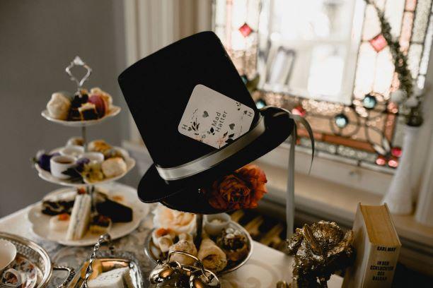 Alice-in-wonderland-wedding-Pendray-Inn