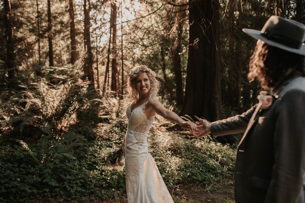 Golden Hour Martina Liana lace gown from Bisou Brida West coast Weddings Magazinel
