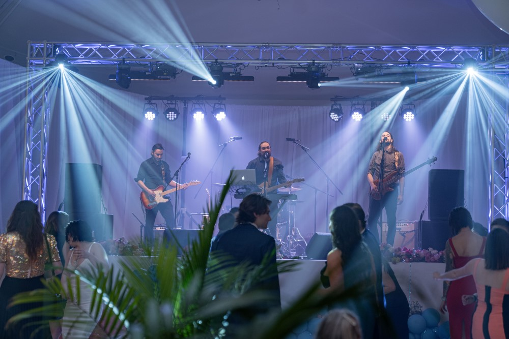 Noah Edwards and the Flood playing for guests at Vancouver Island Wedding Awards 2020