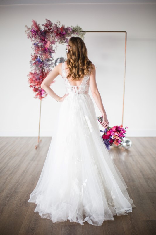 Willowbyby Watters bridal gown with Karen Wazny floral design Vancouver Wedding Magazine