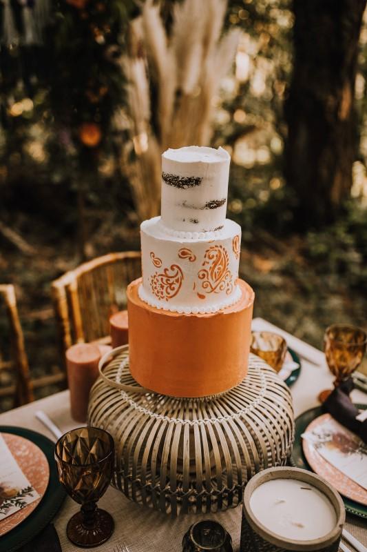 Love and Llama West Coast Wedding Cake by Taryn