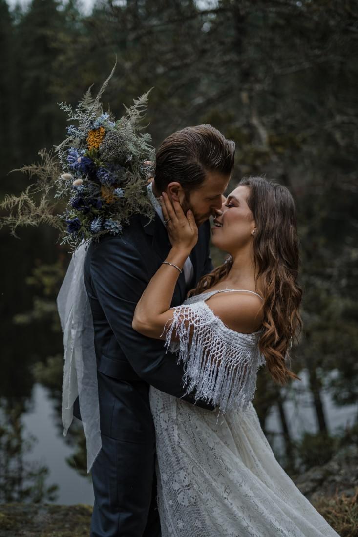 Romantic Elopement at Spectacle Lake