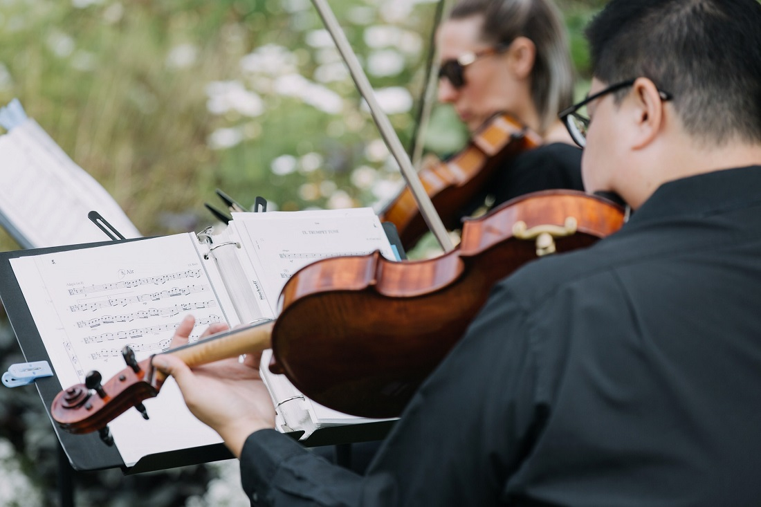 Musicians play for Stanley Park Wedding by Karizma Photography