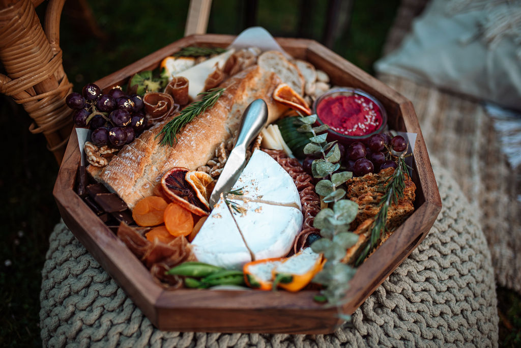 Charcuterie board for Vancouver Island outdoor wedding reception