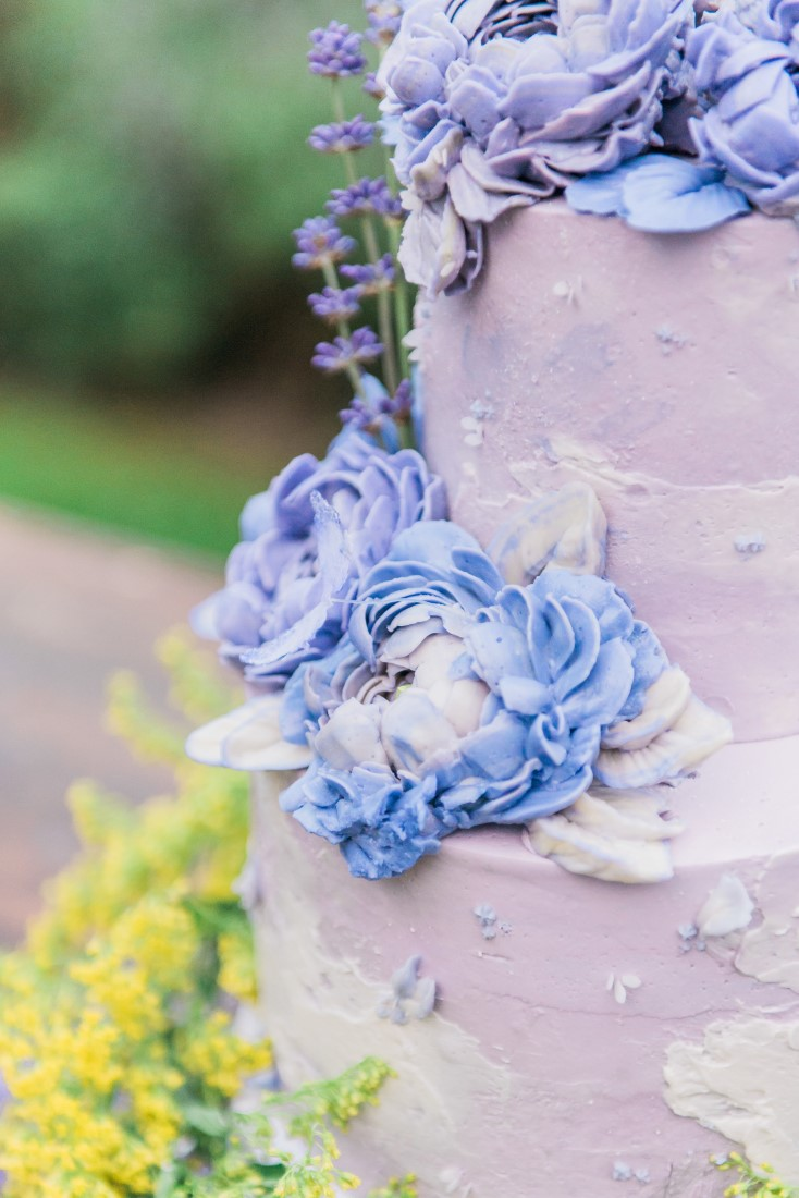Icing Flower cake detail by Little Flower Company Vancouver