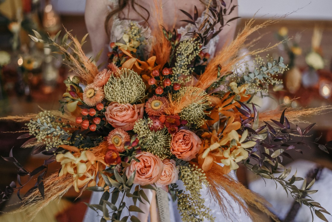 Deep Cove Winery Wedding Dayla Weiss Photo Incredible bohemian inspired bridal bouquet