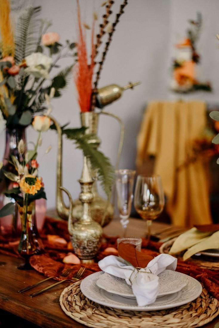 Deep Cove Winery Wedding Dayla Weiss Photo White table settings