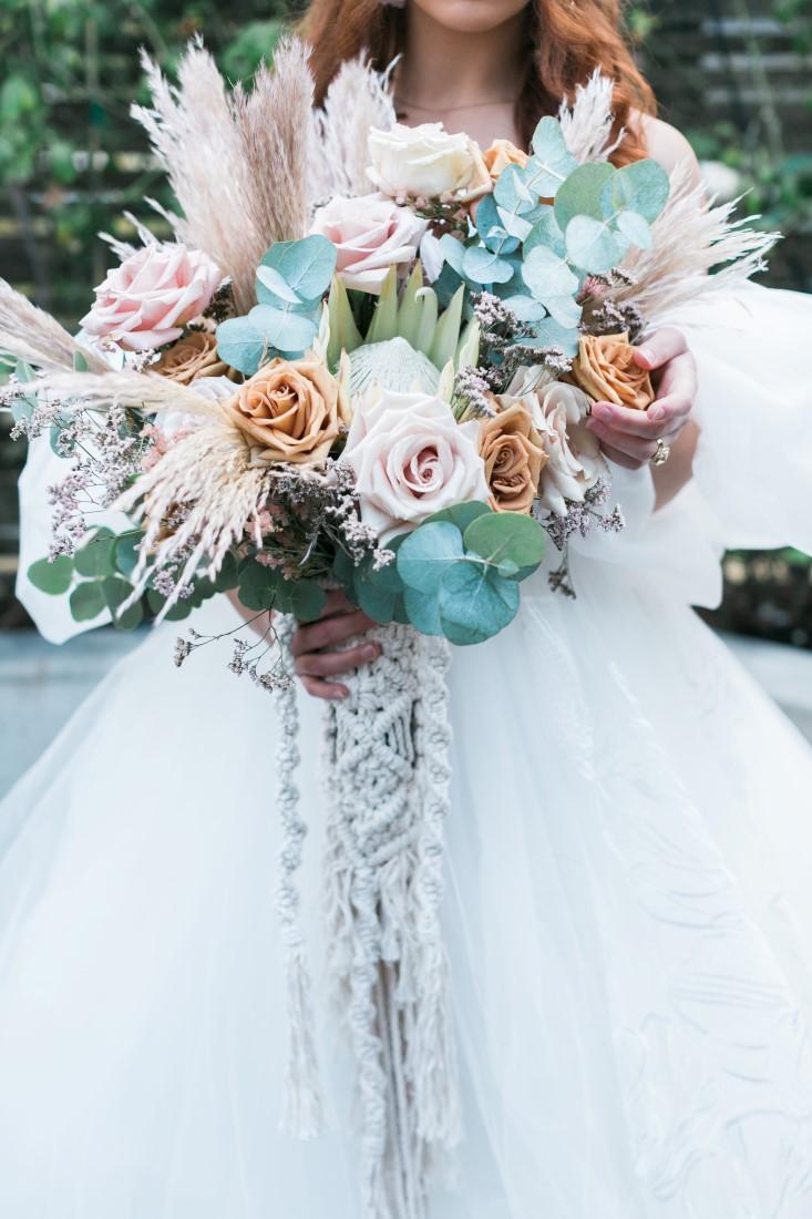 Macramé Boho Simply Sweet Photography bridal bouquet with macramé details