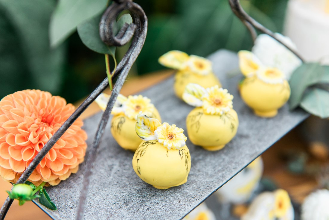 Sunflowers and Sunshine Wedding Inspo dessert with sunflower details