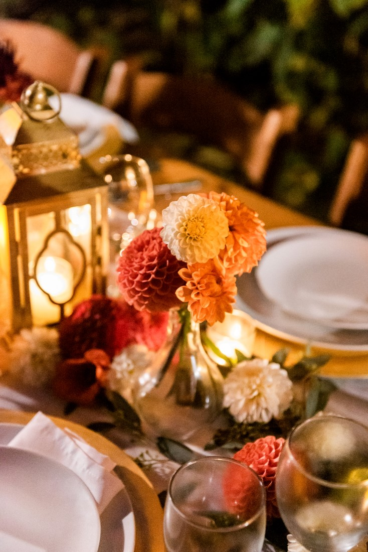 Sunflowers and Sunshine Wedding Inspo mini table florals