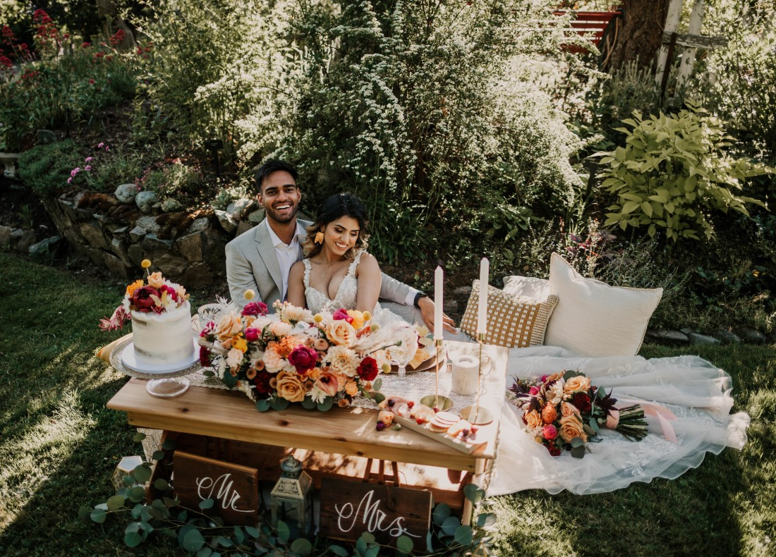 A Styled Elopement at HCP Gardens sweetheart table by Sea Tree Weddings Vancouver Island